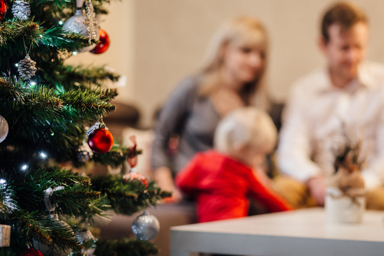 What Christmas is really about? Do you find yourself stressing out about Christmas? Trying to navigate cleaning the house, buying presents and cooking up a storm in the kitchen? Christmas doesn't have to be stressful - there are ways to honour this tradition that are more harmonious for you and your family. Here's how.