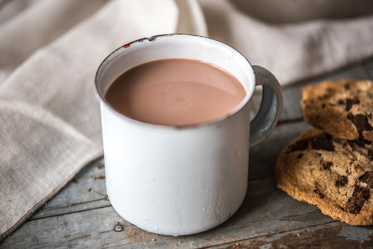 Hot chocolate, raw cacao | are you after a sweet treat this afternoon but want to avoid artificial sweeteners, dairy and junk food? Enjoy this raw cacao, full of nutrient-building ingredients sure to hit that sweet tooth.
